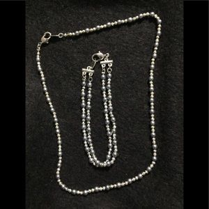 Silver tone & black pearl necklace set